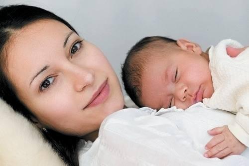 Рожать в выходные опасно, показало исследование