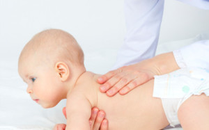Педиатр, невролог, ортопед… Когда показывать ребенка врачу?