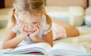 Девочкины книжки: чем порадовать ребенка 8 марта