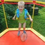 Батут способствует физическому развитию ребёнка
