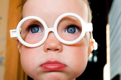 Медики: близорукость у детей развивается от недостатка солнечного света