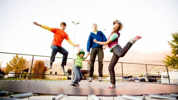 Прыжки на батуте полезны для здоровья детей и взрослых