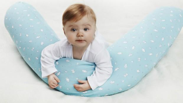 Правила использования специальной подушки для кормления грудью