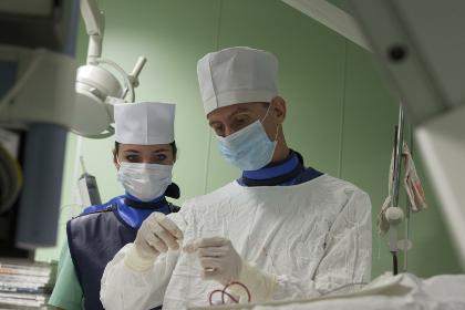 Ребенку с простреленным стрелой черепом сделали операцию