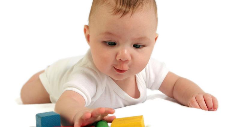 Что умеет ребенок в 5 месяцев?