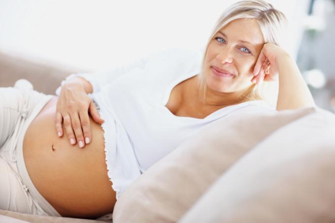Пять главных преимуществ «поздних» родов