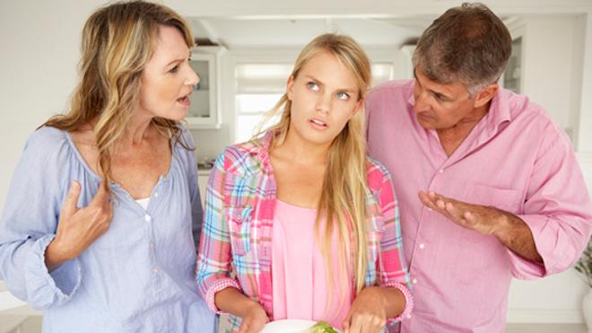 Назойливые родители могут довести ребенка до депрессии