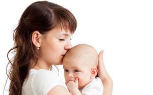 Контакт ребенка с кожей матери отражается на здоровье младенца