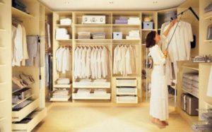 В порядке вещей: как правильно организовать гардеробную?