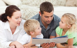 Уходящие и приходящие отцы помогают детям справляться с депрессией