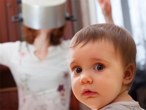 Дети: стресс для мам и веселье для пап