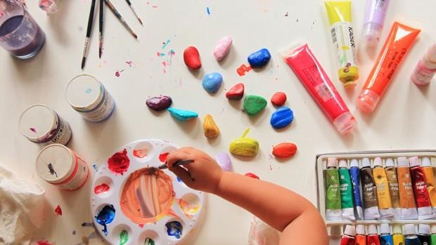 Творчество помогает ребёнку развивать мелкую моторику пальцев