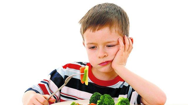 Нельзя заставлять ребенка доедать все, что лежит на тарелке, говорят эксперты