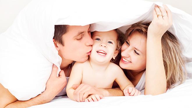 Психологи не рекомендуют родителям выкладывать в социальные сети снимки своих детей