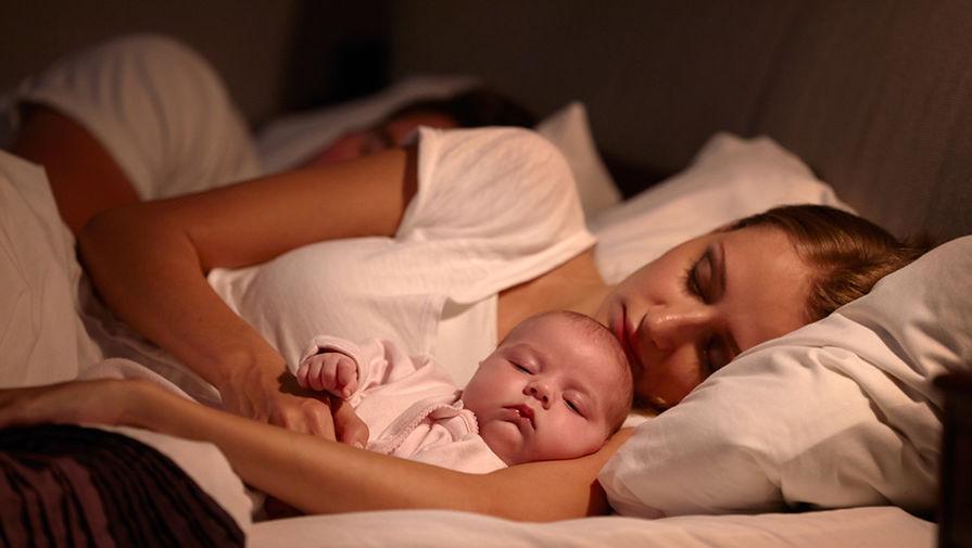 Почему младенцам нельзя спать вместе с родителями