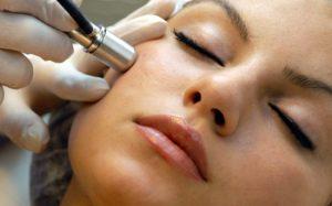 Микродермабразия: необходимая для сохранения молодости и красоты процедура