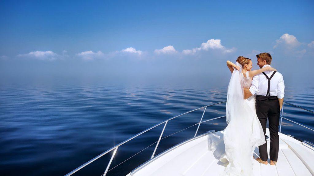 Свадебная прогулка на яхте в Одессе — преимущества