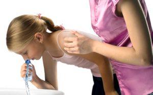 Как промыть нос ребенку