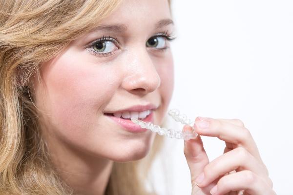 Современные альтернативы брекетам в ортодонтии