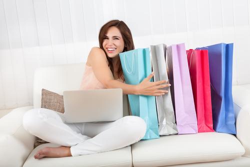 Преимущества покупок женской одежды онлайн