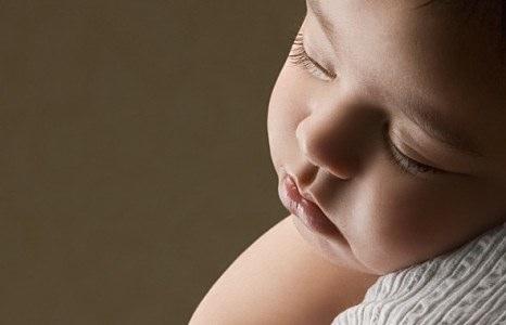 Не укачивайте новорожденных