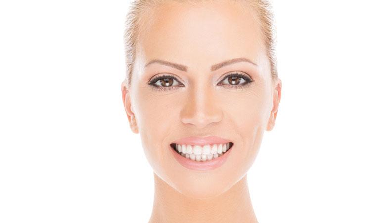 Белоснежная улыбка – методы отбеливания зубов