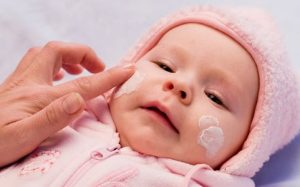Правила первого купания младенца