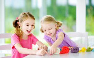 Как заниматься лепкой из пластилина вместе с ребенком