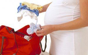 Список необходимых вещей для новорожденного в роддом и на первое время