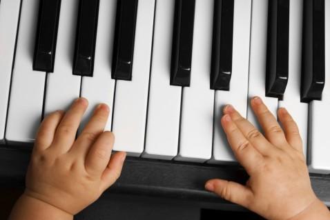 Раннее развитие — большое будущее? Какие игры и занятия способны сделать из младенца гения