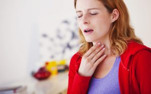 Первая помощь: безопасные средства от горла при беременности