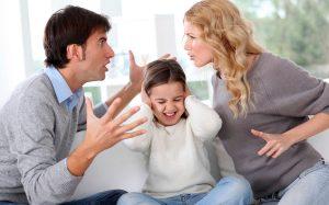 Мама разрешила, а папа наказал: когда в родителях согласья нет