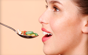 Нужно ли пить витамины кормящим мамам и какие выбрать?