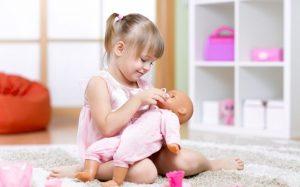 Новая кукла распознает эмоции детей