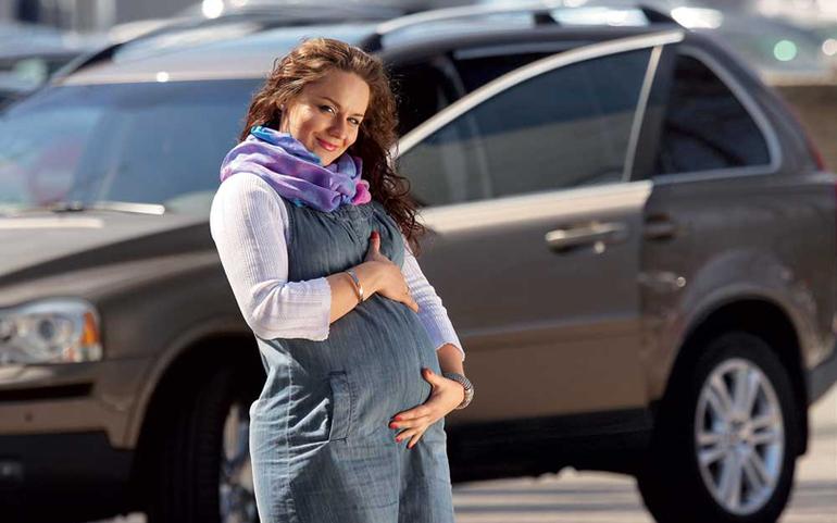 Как йога может помочь беременной женщине?
