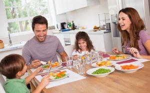 Как вытащить изо рта ребенка чипсы и засунуть туда брокколи?