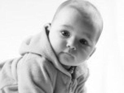 К какому заболеванию у детей приводит применение влажных салфеток?
