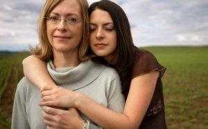 Эти болезни матери чаще всего передается дочери