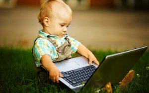 Когда показать ребенку компьютер? Точно не раньше пяти