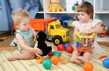 Как выбрать игрушку, соответствующую возрасту ребенка?