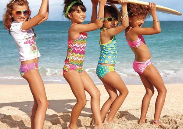 Как правильно выбирать детские купальники для пляжа и бассейна