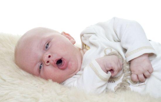 Ребенок кашляет сильно, особенно ночью: чем помочь?