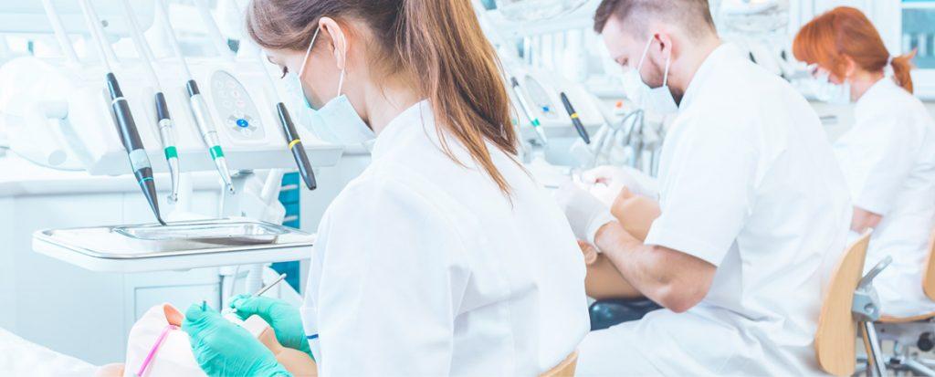 Имплантация зубов в профессиональной клинике Implant Lab: красивая улыбка доступна для вас