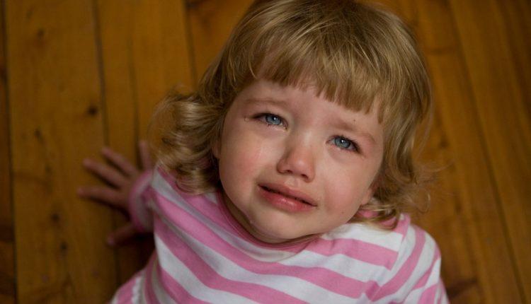 Истерика у ребенка, что делать?