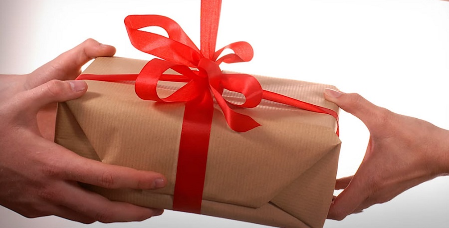 Почему выбор подарка для девушки на День Рождения — это не сложно?