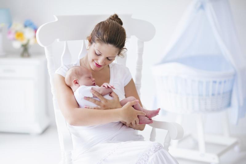Дети должны как можно раньше услышать речь матери