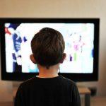 Сколько часов в день дети могут смотреть телевизор?