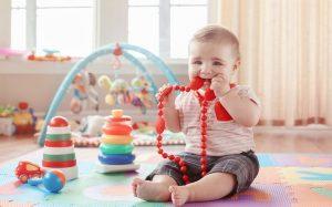 Прорезывание зубов у детей: пережить трудные времена