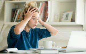 Почему Интернет и СМИ стали врагами для современного подростка?