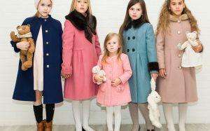 Какое пальто выбрать для девочки?